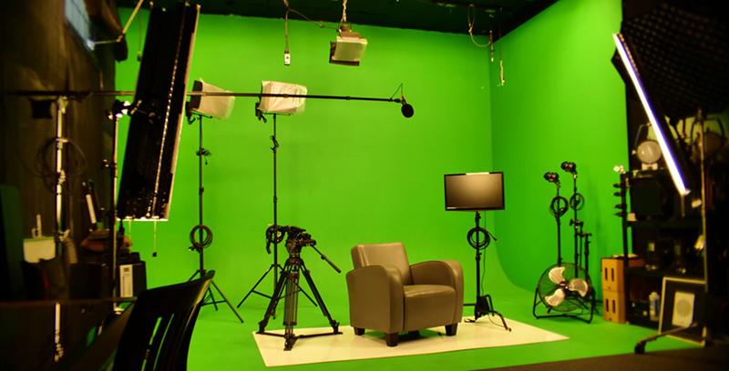 تجهیزات مورد نیاز برای فیلم برداری کروماکی با موبایل